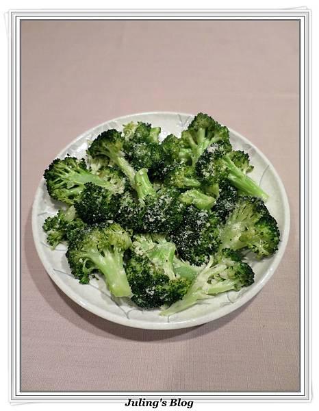 烤蒜香花椰菜2.JPG