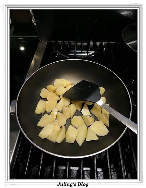 糖醋馬鈴薯做法1.JPG