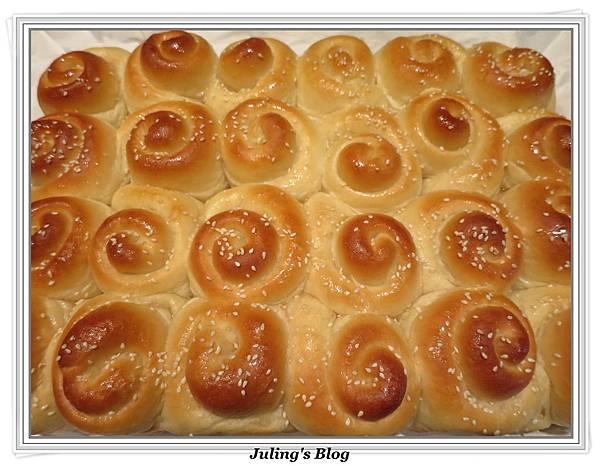 蜂蜜奶香酥底麵包1.JPG