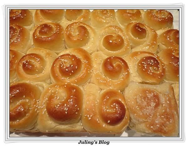 蜂蜜奶香酥底麵包2.JPG