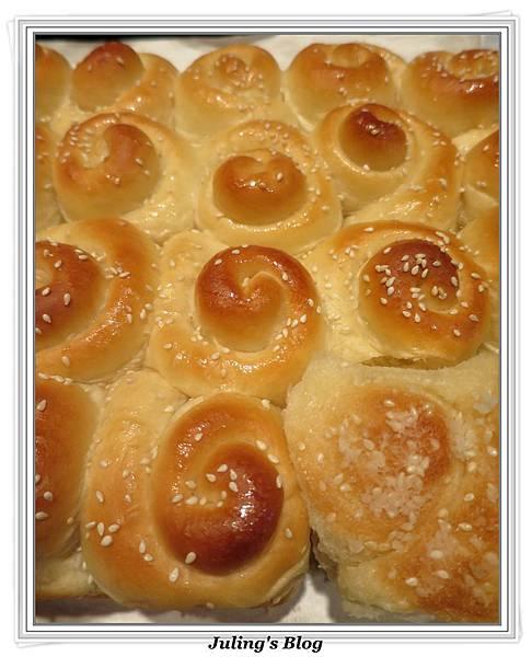 蜂蜜奶香酥底麵包3.JPG