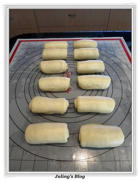 蜂蜜奶香酥底麵包做法10.JPG