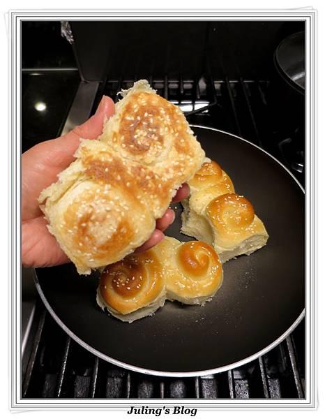 蜂蜜奶香酥底麵包做法23.JPG