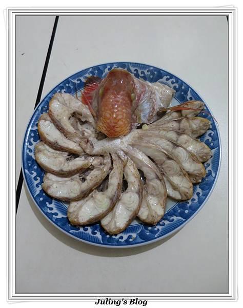 孔雀開屏清蒸魚做法9.JPG