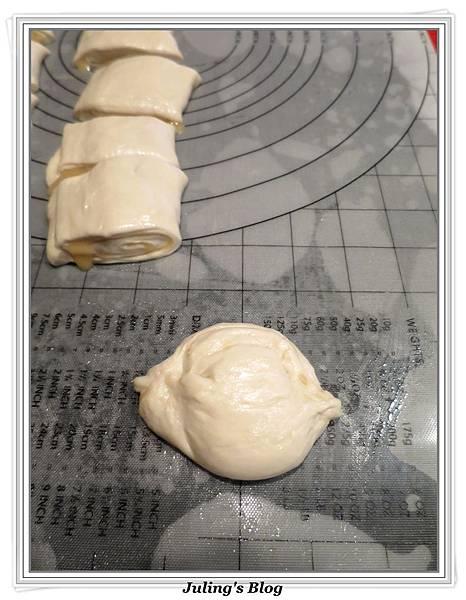 蔥肉燒餅做法12.JPG