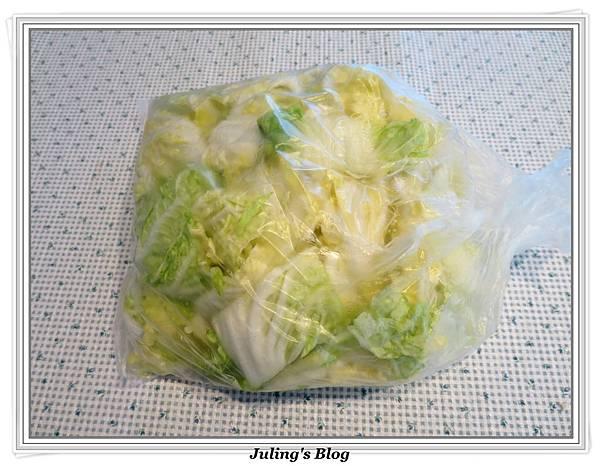 白菜滷做法2.JPG