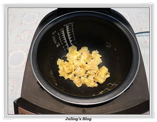 白菜滷做法9.JPG