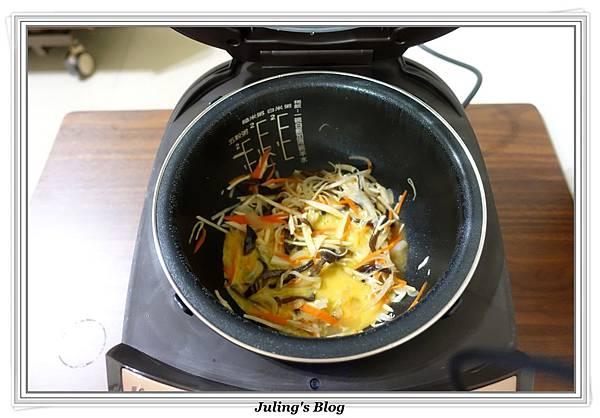 竹筍炒什錦做法7.JPG