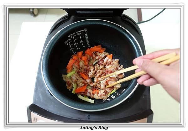 家常油豆腐做法4.JPG