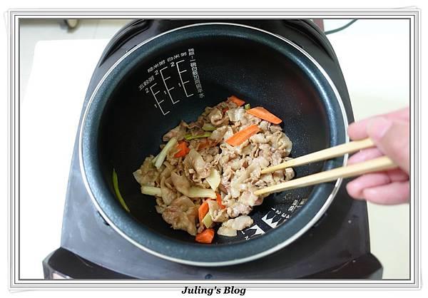 家常油豆腐做法5.JPG