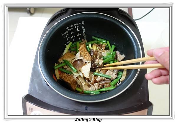 家常油豆腐做法9.JPG