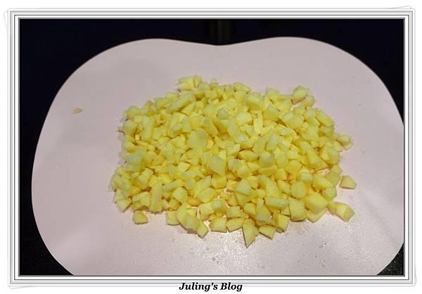 蘋果香腸做法3.JPG