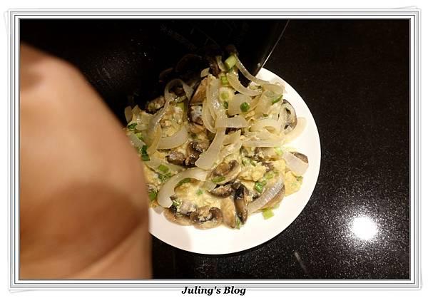滑蛋蘑菇做法10.JPG