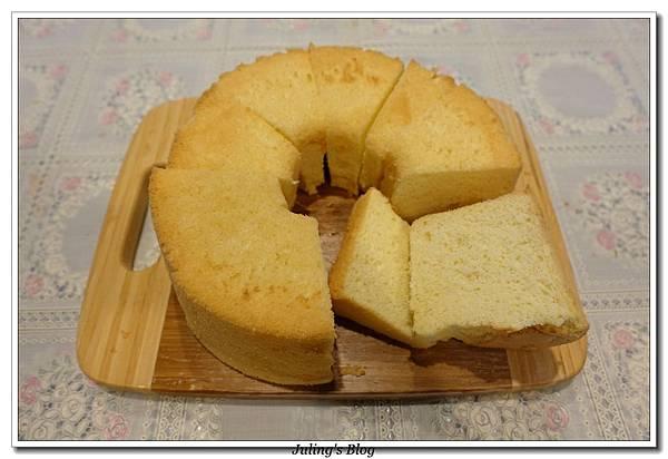 優格戚風蛋糕3.JPG