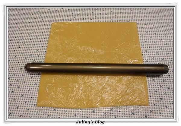 香酥鹹蛋黃餅乾做法10.JPG