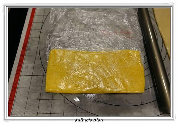 香酥鹹蛋黃餅乾做法11.JPG