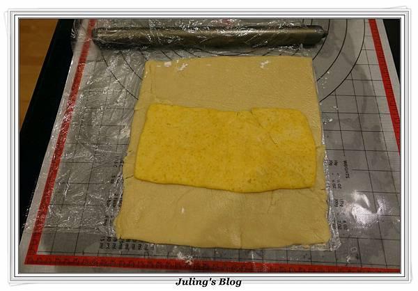 香酥鹹蛋黃餅乾做法12.JPG