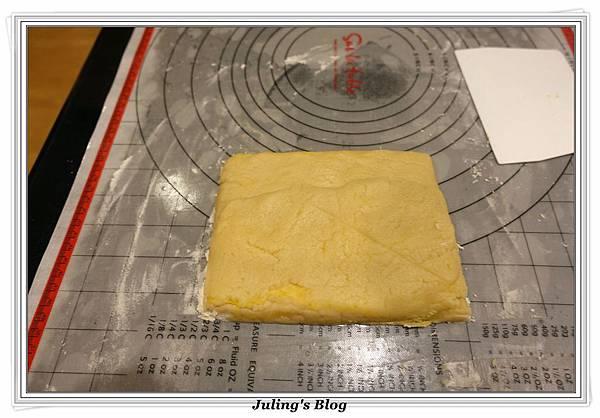 香酥鹹蛋黃餅乾做法15.JPG