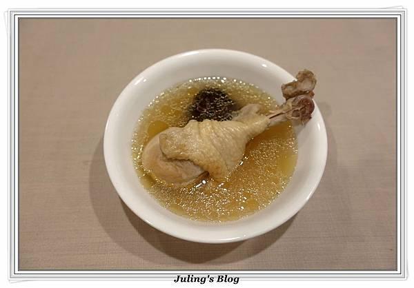 蒜頭雞湯1.JPG