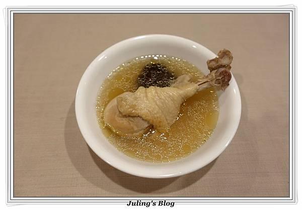 蒜頭雞湯2.JPG