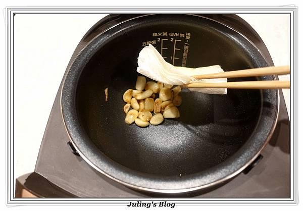 蒜頭雞湯做法5.JPG