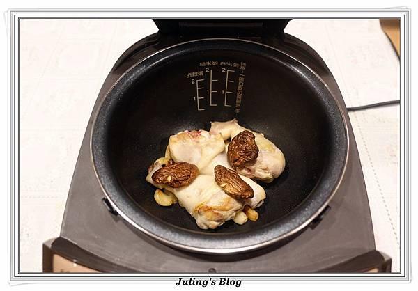 蒜頭雞湯做法7.JPG
