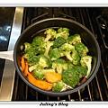 鹹蛋青花菜做法1.JPG