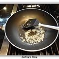 鹹蛋青花菜做法2.JPG