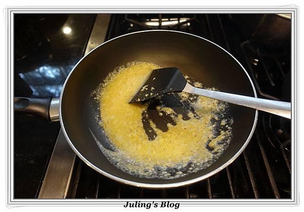 鹹蛋青花菜做法4.JPG
