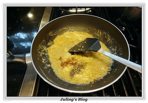 鹹蛋青花菜做法7.JPG