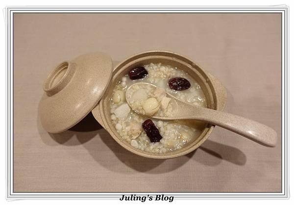 山藥薏仁粥1.JPG
