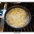 烤熱狗馬鈴薯做法2.JPG