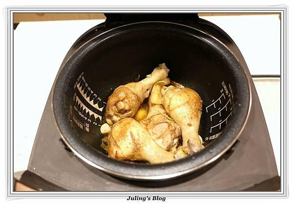 鹹香雞腿做法5.JPG