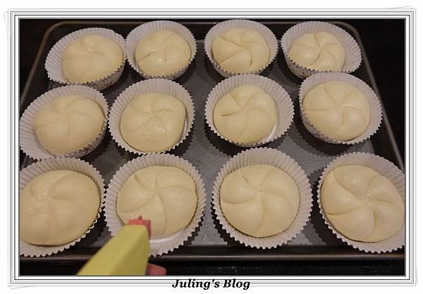 克寧姆麵包做法18.JPG