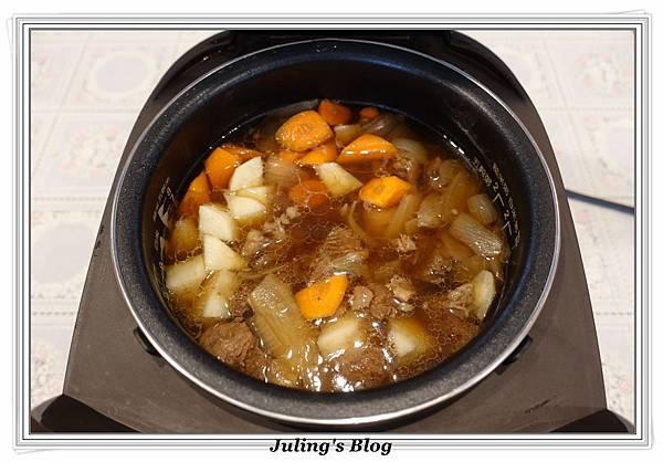 洋芋燉牛肉做法10.JPG