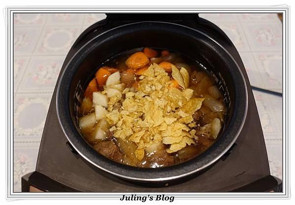 洋芋燉牛肉做法12.JPG