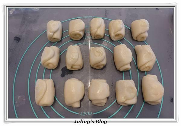香酥芝麻燒餅做法10.JPG