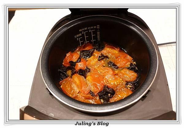 木耳番茄燉肉做法9.JPG