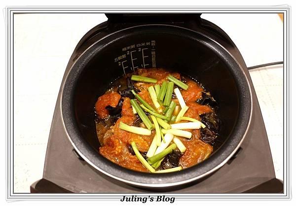 木耳番茄燉肉做法10.JPG
