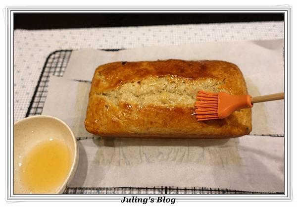 蔓越莓香蕉磅蛋糕做法9.JPG