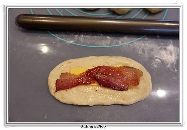 培根起司麵包做法12.JPG