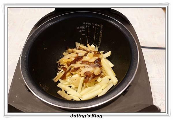 筍絲炒馬鈴薯做法2.JPG