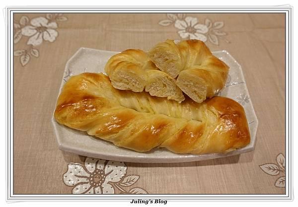 奶黃麵包捲3.JPG