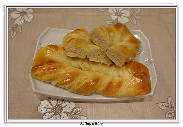 奶黃麵包捲4.JPG