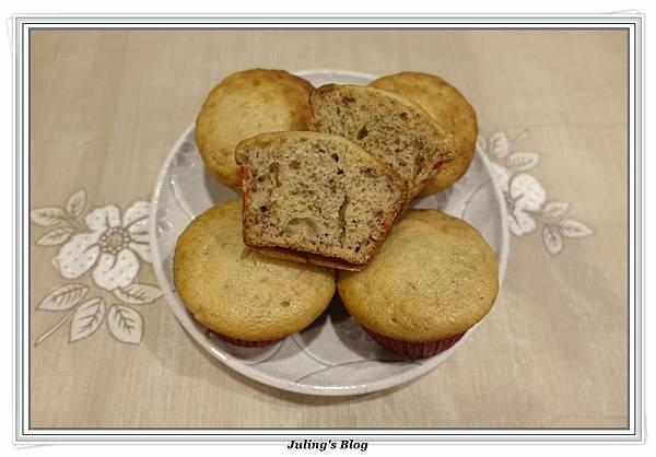 優格香蕉蛋糕2.JPG