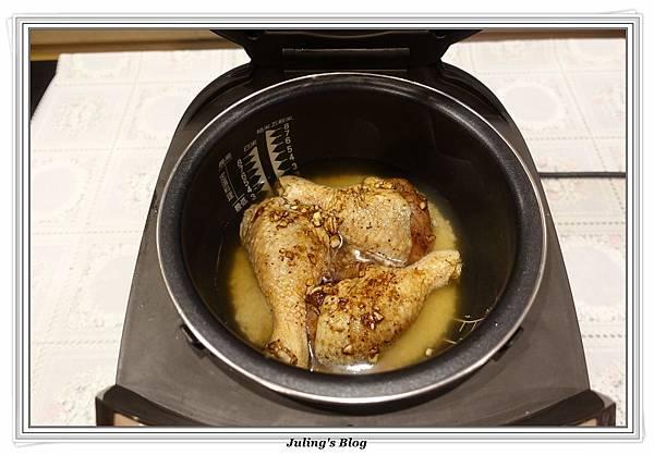 鹹香雞腿飯做法4.JPG