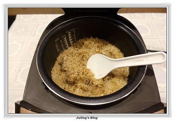 鹹香雞腿飯做法14.JPG
