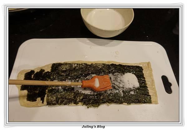 海苔豆包捲做法4.JPG