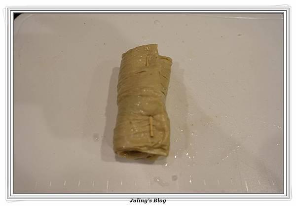海苔豆包捲做法5.JPG