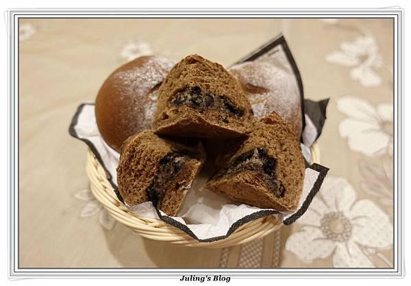 oreo乳酪夾心香蕉巧克力麵包1.JPG